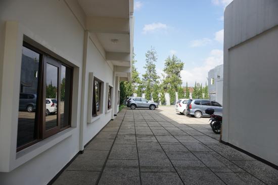 car park from lobby entrance picture of villa puri teras bandung rh tripadvisor com sg