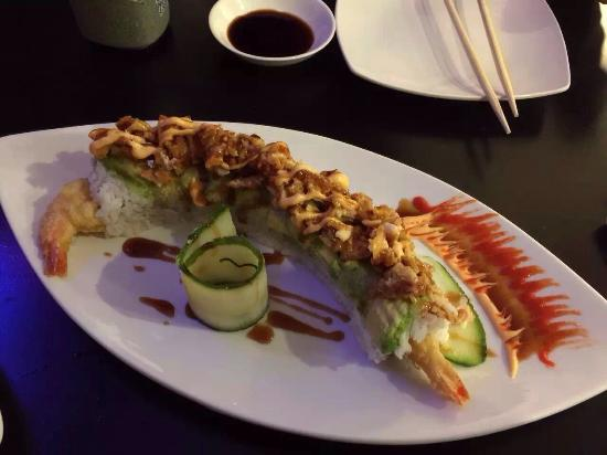 Vista, CA: Godzilla roll, Shadowridge roll, caterpillar roll, amazing roll, paradise roll, spider roll.