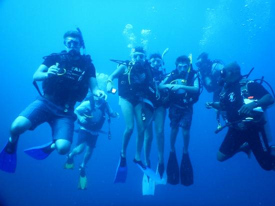 Blue Heaven Dives with Michael Cain: Michael with his newly certified students