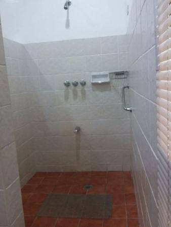 Busuanga Island Paradise: Bathroom at La Vista rooms
