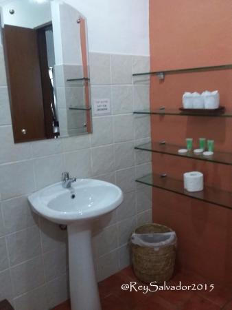 Busuanga Island Paradise: Very Spacious Washroom