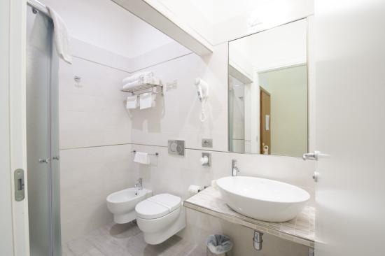 Hotel Cosimo de' Medici : Bathroom