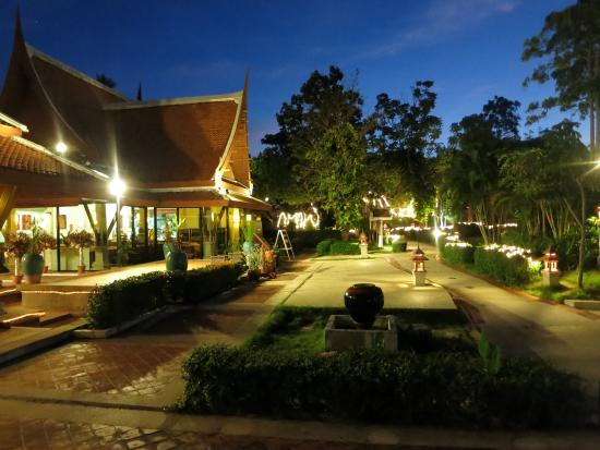 Samui Buri Beach Resort: Restaurantbereich