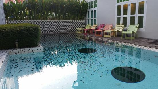 New Majestic Hotel: Pool
