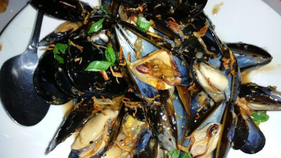INDO Restaurant & Lounge : Excellent pepper mussels