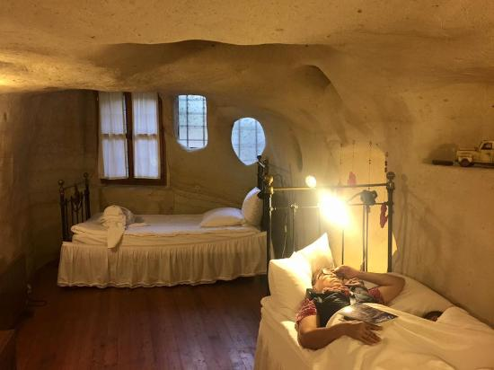 Esbelli Evi Cave Hotel: Large bedroom