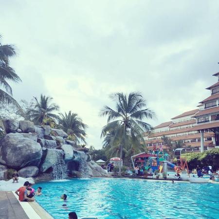 Kijal, มาเลเซีย: Very nice pool area