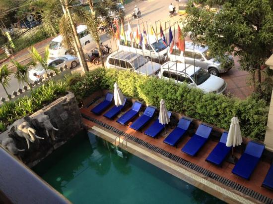 pool area picture of royal crown hotel spa siem reap tripadvisor rh tripadvisor com