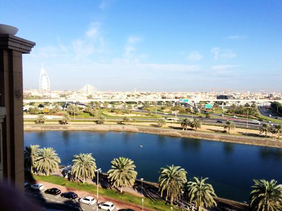 Sheraton Dubai Mall of the Emirates Hotel: from Breakfast area