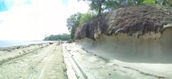 Морские волны, застывшие в камне