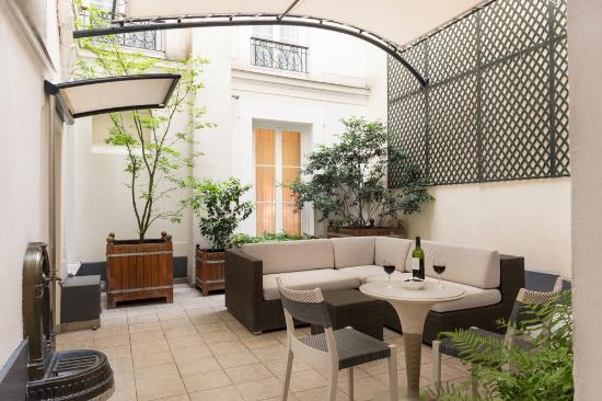 Hotel Magda Champs Elysees: Courtyard