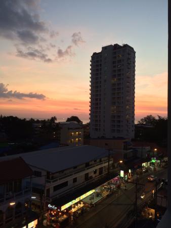 Simplitel Hotel: Вид из номера.Закат