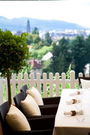 "Mercure Hotel Panorama Freiburg - Chez Eric: Ausblick ""La Provence"""