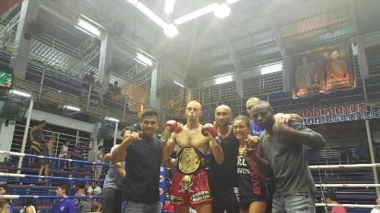 Patong Boxing Stadium : 20160106_232611_large.jpg