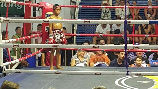 Patong Boxing Stadium : 20160108_211257_001_large.jpg