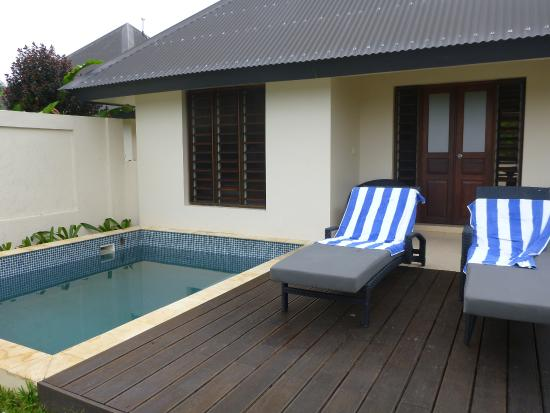 Mangoes Resort: Lagoon view bungalow with pool