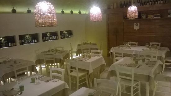 Osteria del Taglio: la sala