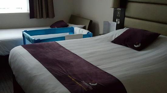 Premier Inn Christchurch West Hotel: 20160109_150034_large.jpg