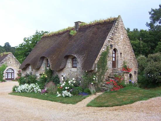 Morbihan, Frankrig: well kept grounds