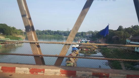 Thalat, Laos: Nam Ngum Dam
