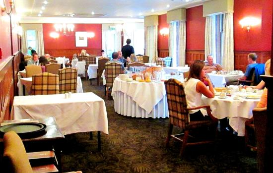 Golf View Hotel & Spa: The traditional dining room but there is also now a Bistro in the conservoatory