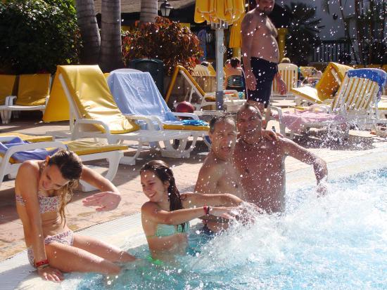 Park Club Europe Hotel: Giochi in piscina