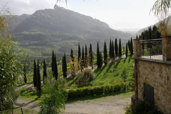 Sclafani Bagni, อิตาลี: Vista dalla scala che porta all'ingresso