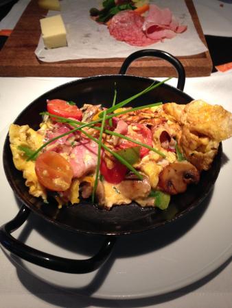 โฮลล์แมนน์ เบเลเทจ: omelette