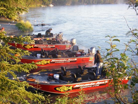 Jimmie Jack's Alaska Lodge: Jimmie Jack's River Boats