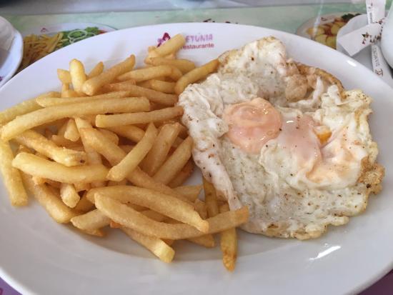 Petunia: Egg & Chips