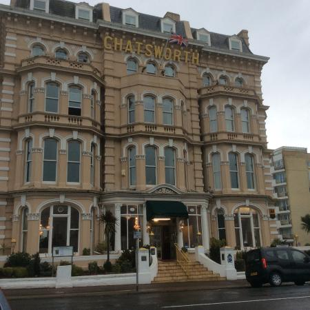 Chatsworth Hotel: Hotel front