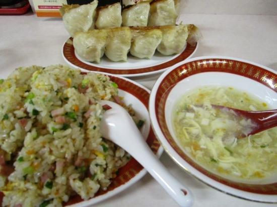 チャーハンと餃子 スープ - 福岡...