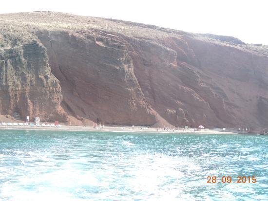 Red Beach: vista de la playa desde el barco