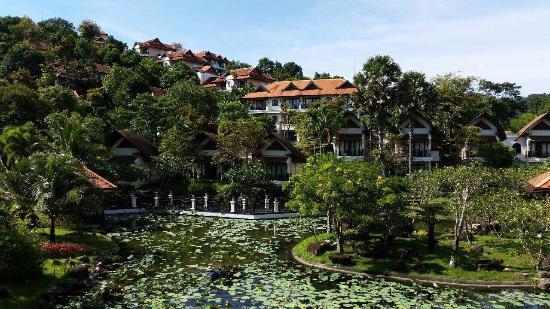 Rawi Warin Resort & Spa : Pond view