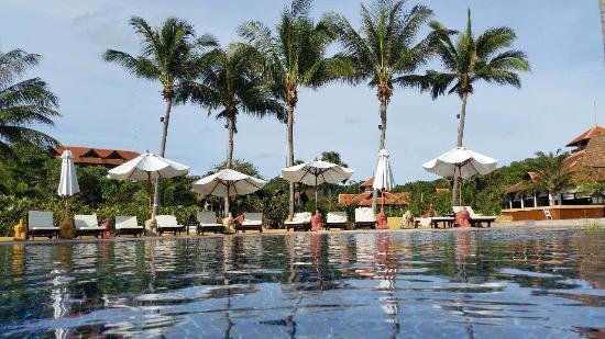 Rawi Warin Resort & Spa : The pool view