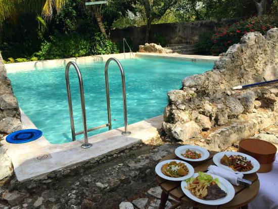 Tixkokob, México: Private pool w/ room service