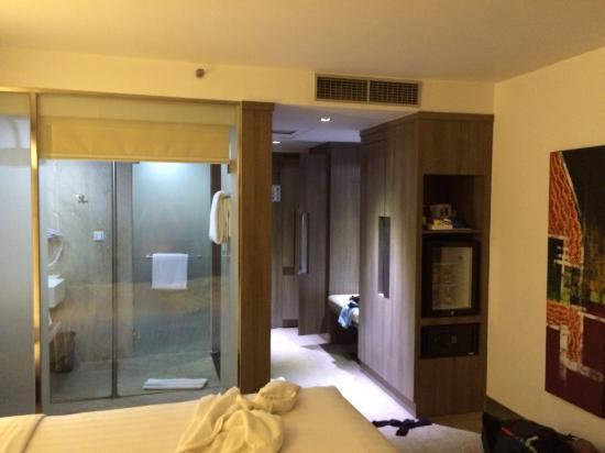 bath room picture of hotel novotel jakarta gajah mada jakarta rh tripadvisor co uk