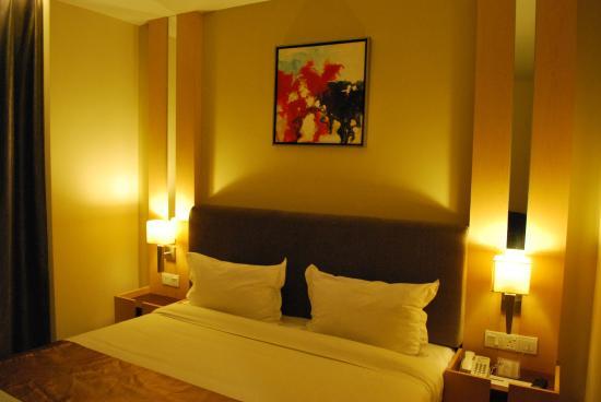 Metro Hotel: Bedroom