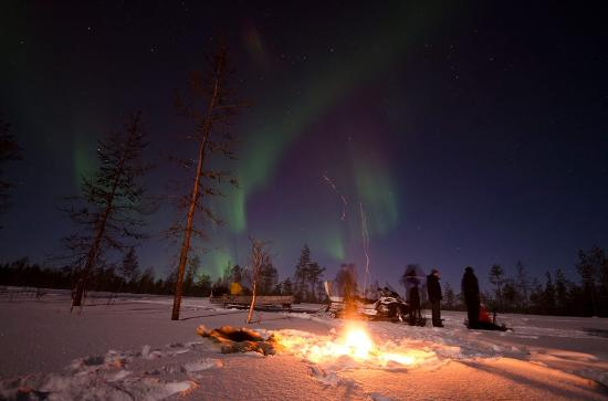 Tarendo, Sweden: Arctic Light Experiance with fire