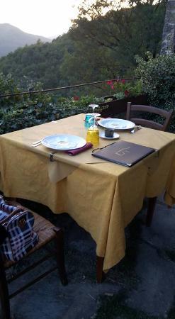 Mercatello sul Metauro, Italien: il nostro tavolo