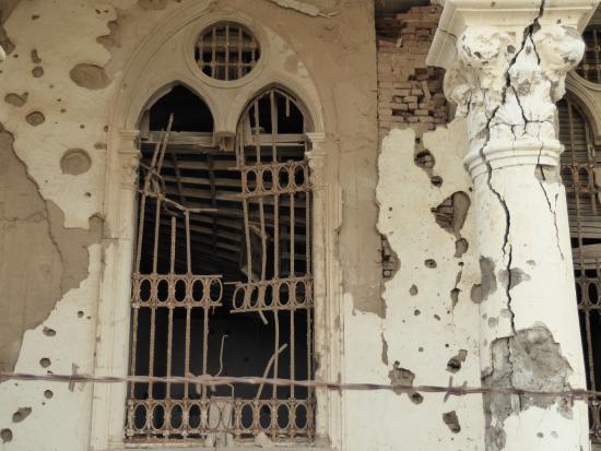 Massawa, Erythrée: 破壊された窓