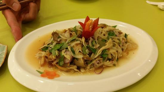 Loving Hut Hoa Dang Vegan Restaurant: 20160112_194709_large.jpg
