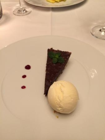 Quinta da Casa Branca: Chocolate tart dessert