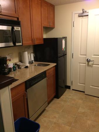 TownePlace Suites by Marriott Baltimore BWI Airport: Kitchenette