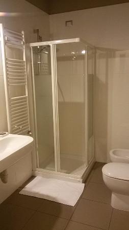 Bagno chiuso con ventola spenta te la devi accendere - Ventola per bagno ...