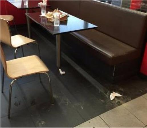 Jellico, Tennessee: dirty tables