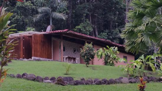 San Pedro, Costa Rica: The showers and bathrooms at the camp