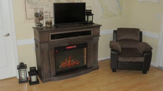 Lion's Head, Canada : warm up in our cozy common room