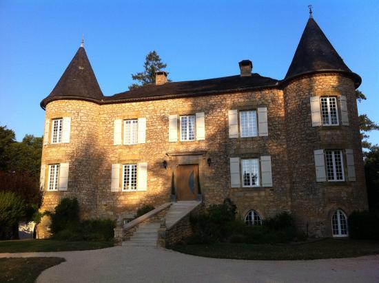 """Cenac-et-Saint-Julien, Fransa: magnifique chateau """"revisité"""" avec classe"""
