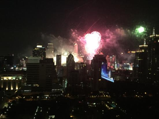 Sivatel Bangkok: New year fireworks from room